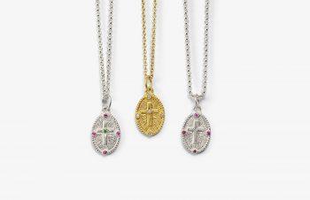 Klassische Anhänger: Kreuztaler, 750er Gold, Silber, Edelsteine