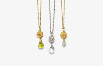 Klassische Anhänger: Blüten, 750er Gold, Silber