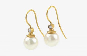 Klassischer-Ohrschmuck: Süßwasserperle, Diamant, 750er Gold