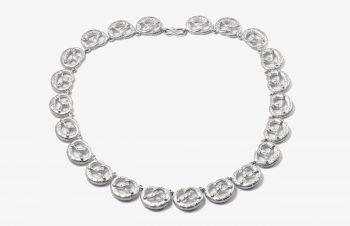 Aufgebrezelt: Brezen-Collier, Silber
