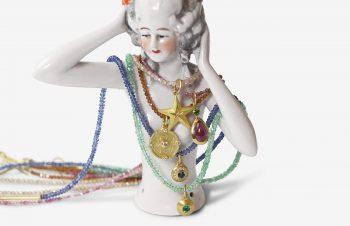 Colliers: diverse Edelstein-Halsketten mit Anhänger
