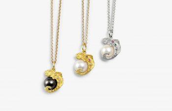 Tier-Anhänger: Fische, Perle, 750er Gold, Silber, Edelstein