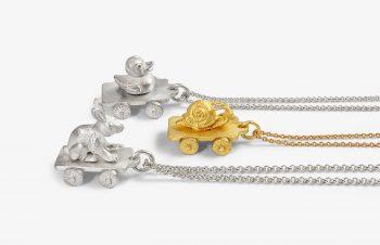 Tier-Anhänger: rollende Wägen, 750er Gold, Silber