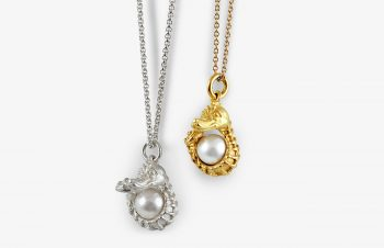 Tier-Anhänger: Seepferde, Perle, 750er Gold, Silber