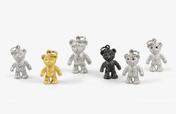 Tier-Anhänger: Teddybär, 750er Gold, Silber, Edelstein